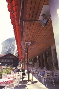 Solutia de incalzire a teraselor cu panouri radiante ceramice