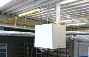 Generator de aer cald suspendat